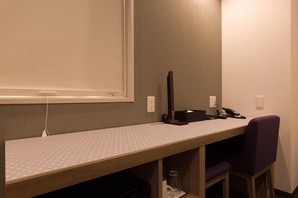 横幅190cmの広い机